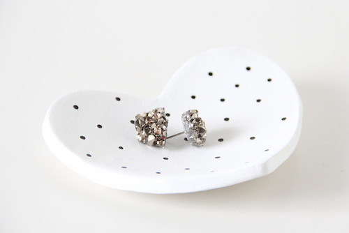 Make mom a cute new jewelry dish this year!