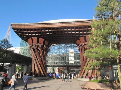 金沢駅前の風景
