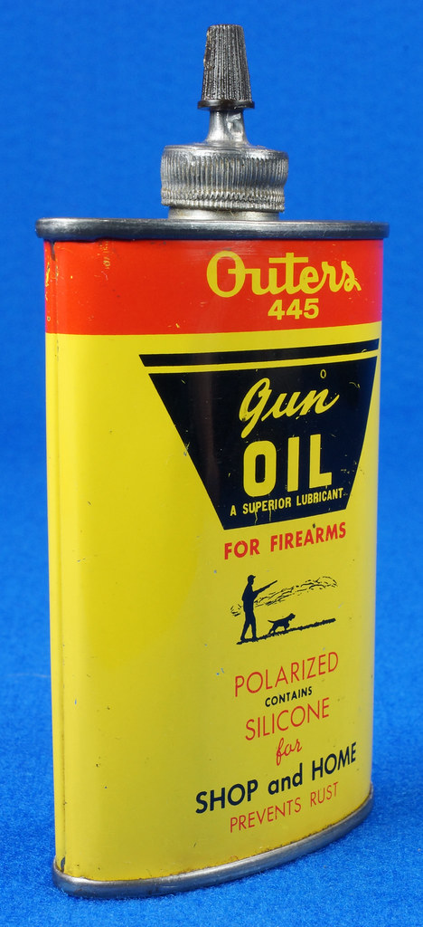 RD14571 Outers 445 Gun Oil Tin 3 oz Lead Top Yellow Oiler Collectible Vintage Oil Can DSC06871