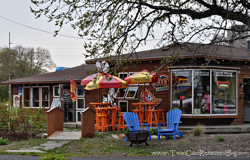 CG Hooks Eatery ~ White Bear Lake, MN