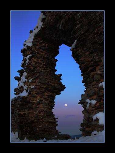 moon snow castle crow northwales dinasbran
