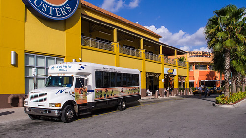 Dolphin Mall Miami shuttle bus