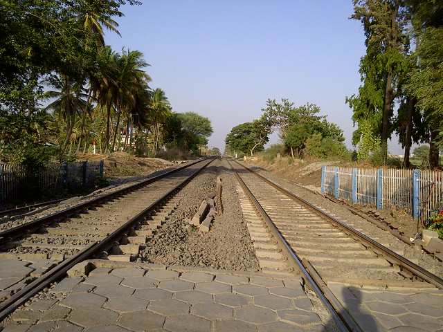 Railway Track - From PrayagDham to Pune Solapur Highway - Visit Dreams Nivara, Ready Possession 2 BHK Flats near Prayag-Dham at Koregaon Mul, Uruli Kanchan, Pune Solapur Highway, Pune 412 202