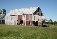 other barn across the street Prairie Rd 177