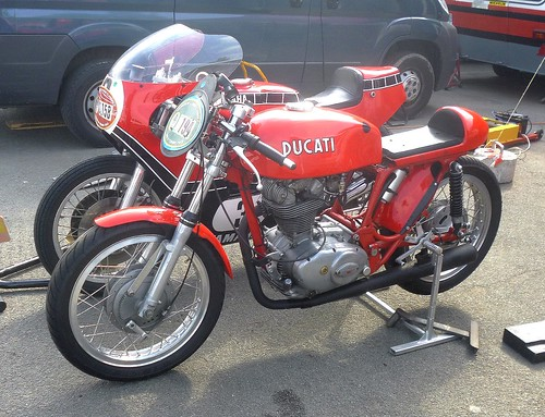 Ducati 350 et Yamaha srouge by gueguette80