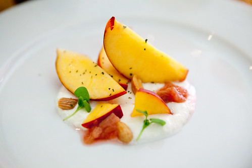 Peaches and creamed ricotta