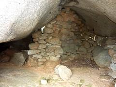 Tour du site du Castellu di Valle/Bacca : l'intérieur d'un oriu bien aménagé