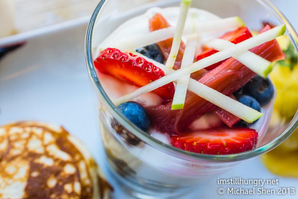 House made granola w/poached fruit, berries & vanilla yoghurt chalkboard cafe