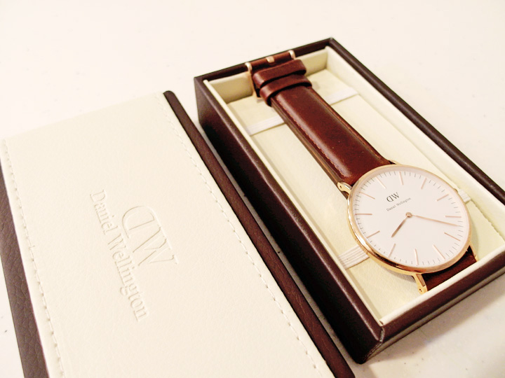 DANIEL WELLINGTON WATCH 4