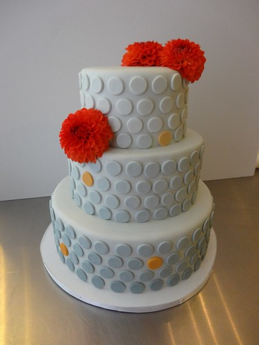 Grey Spots Wedding Cake by CAKE Amsterdam - Cakes by ZOBOT