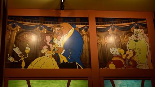 Disneyland visit 2015 05 17 world of disney toy for Disneyland wall mural