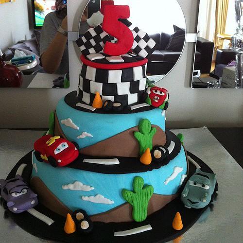şimşek mcqueen ve arkadaşları doğumgünü pastası by l'atelier de ronitte