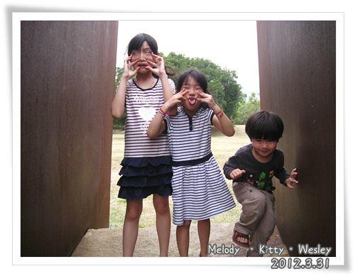 120331-三小朋友扮鬼臉 (1)