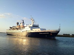 The first cruise ship on the boyne in a 100 years
