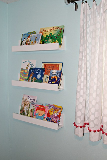 Easy to Make Bookshelves