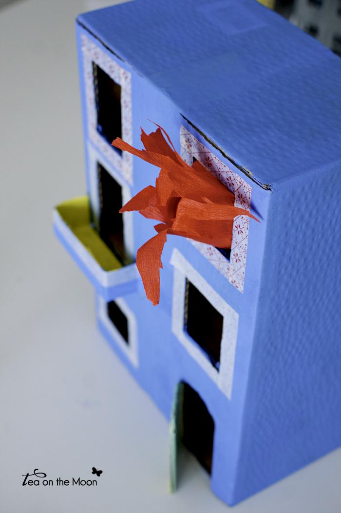 Casa con caja de cartón playmobil house