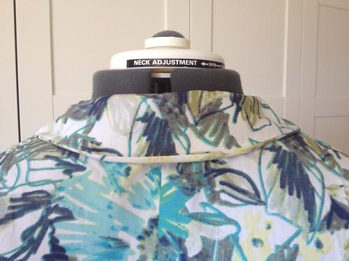 floral Vogue 5121 rolling collar 2