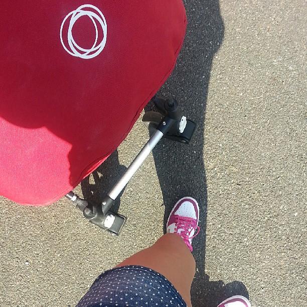 Je vais voir si ma bugaboo supporte les joggings.@bugaboohq #bugaboo #poussette #blog #blogueuse #nofiltre #famille #ourlittlefamily #family #france #nike #camaieu