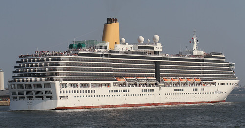 Arcadia-Leaving Southampton by trevdry2