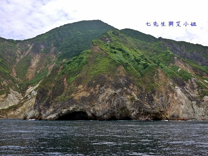 6 華棋168號賞鯨之旅-眼鏡洞鐘乳石傳奇