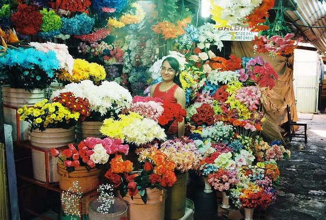 Floreria Balbina en el mercado 4 de Asuncion, Paraguay