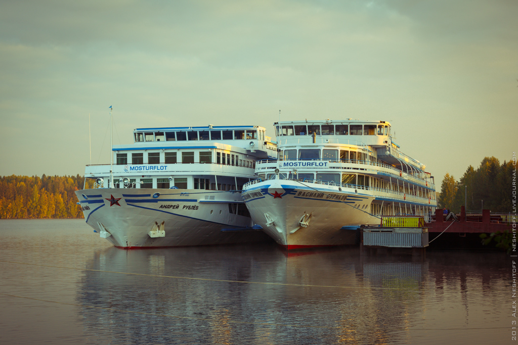 2013-Russia-Petersburg-Mandrogi-025