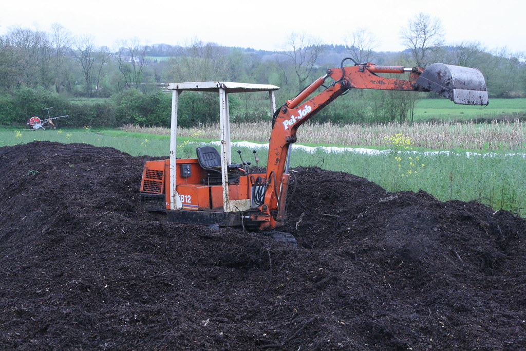 7 April 2014 - Freshly turned woodchip compost