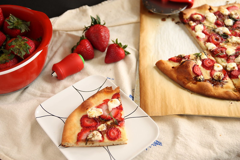 Flatbread with strawberries and goat cheese