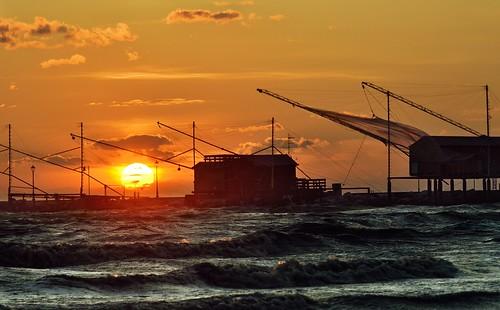 sea italy clouds sunrise dawn nikon surf italia mare waves wind alba thegimp vento onde cesenatico d5100 luminositymasks