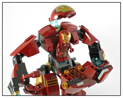LEGO 76031 The Hulk Buster Smash 17