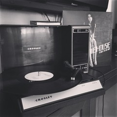 #amywinehouse is best when played with my #crosley. And specially in an empty house. #backtoblack #music #LP #vinyl #records #vintage #thatoldfeeling