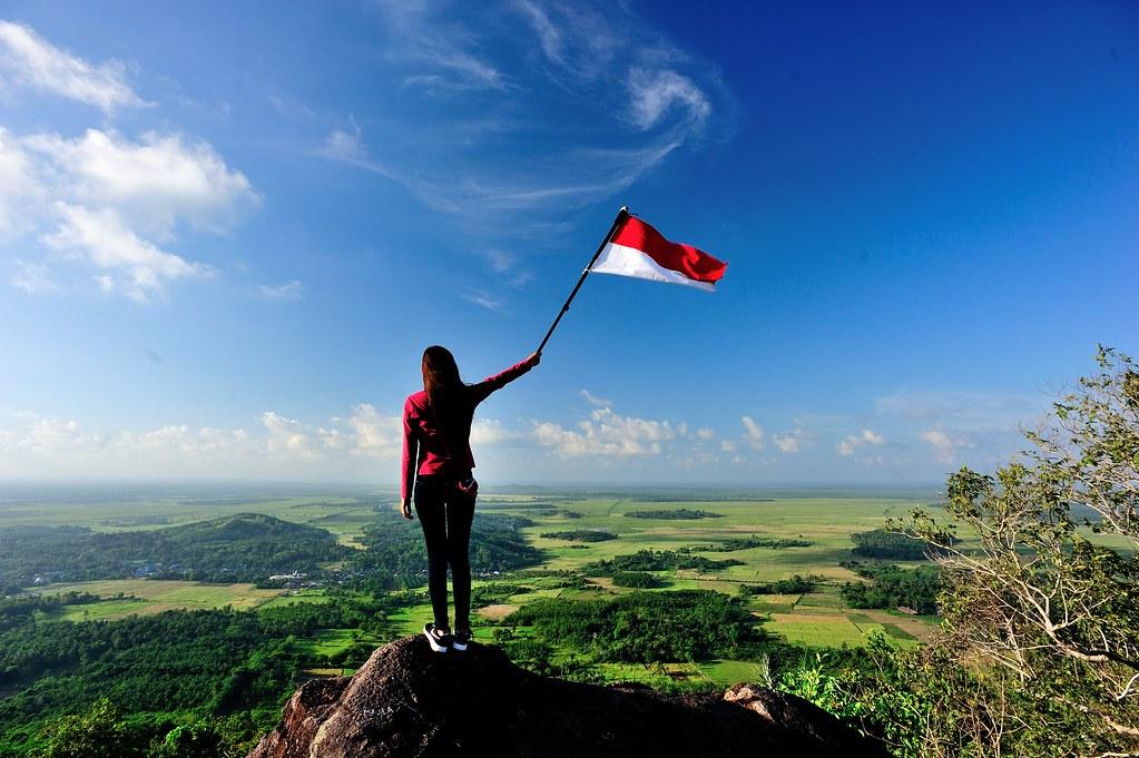 Merah Putih Berkibar di Udara