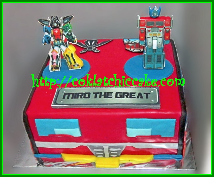 Fantastic Cake Transformer Optimus Prime Dan Power Rangers Mega Forc Flickr Funny Birthday Cards Online Inifodamsfinfo