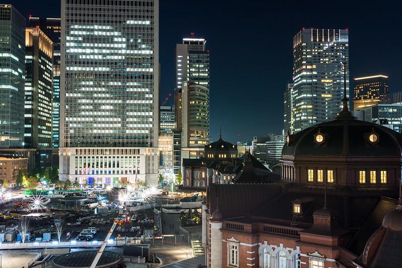 KITTEから三脚無しで撮影した東京駅の夜景
