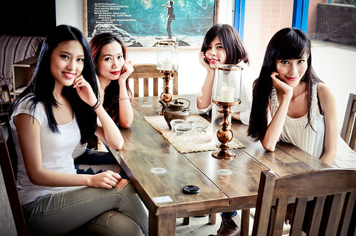 無料写真素材, 人物, 女性  アジア, 集団・グループ, 頬杖, 台湾人, 人物  四人