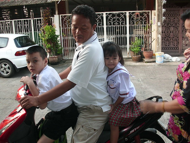 Nong Ja Off to School