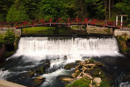 bridge waterfall footbridge falls marcellusfalls marcellusny