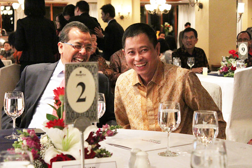 The Best CEO & Indonesia Future Business Leader Award 2013 ~ Emirsyah Satar dan Ignasius Jonan.