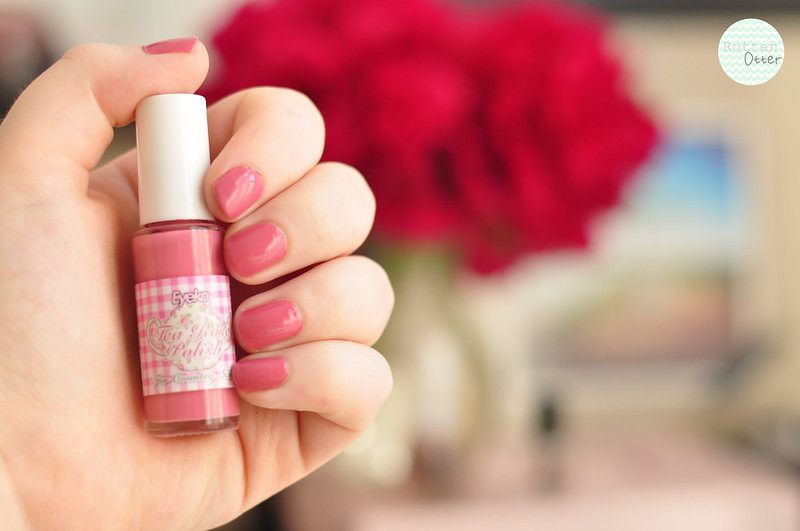 notd eyeko tea rose nail polish pink creme rottenotter rotten otter blog 1