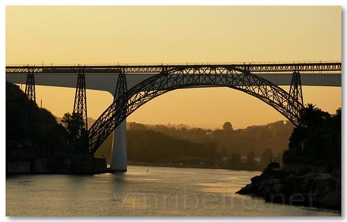 Pontes no Douro ao amanhecer by VRfoto