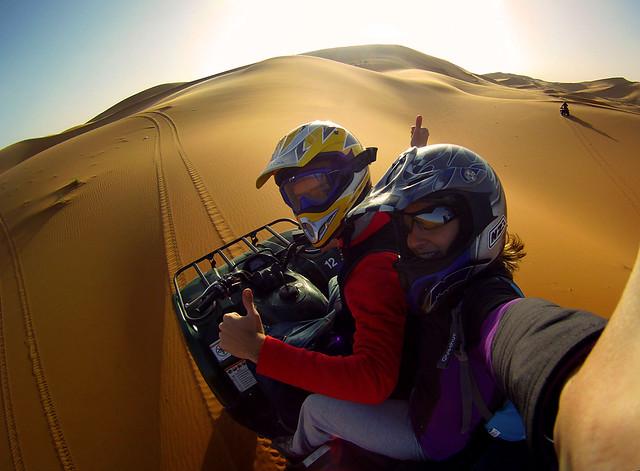 En quad por las dunas del Sahara en Marruecos
