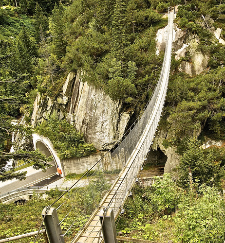 Suspension bridge to Gelmerbahn