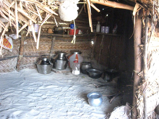 There are very few amenities in the fisherfolk houses such as utensils, earthern pots or aluminium vessels that are used for cooking food on the adappa or mud chulhas. Wood is used as fuel for cooking.