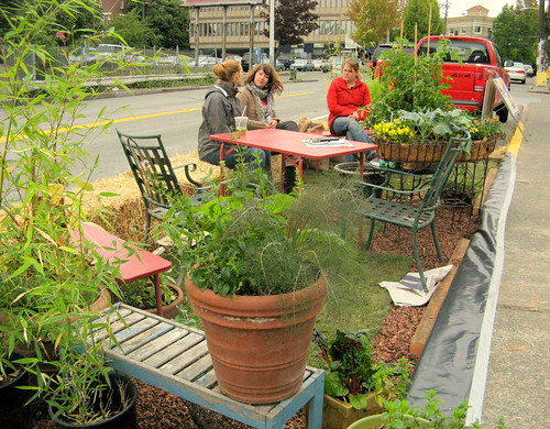 Park(ing) Day in Seattle (by: Jeanine Anderson, creative commons)