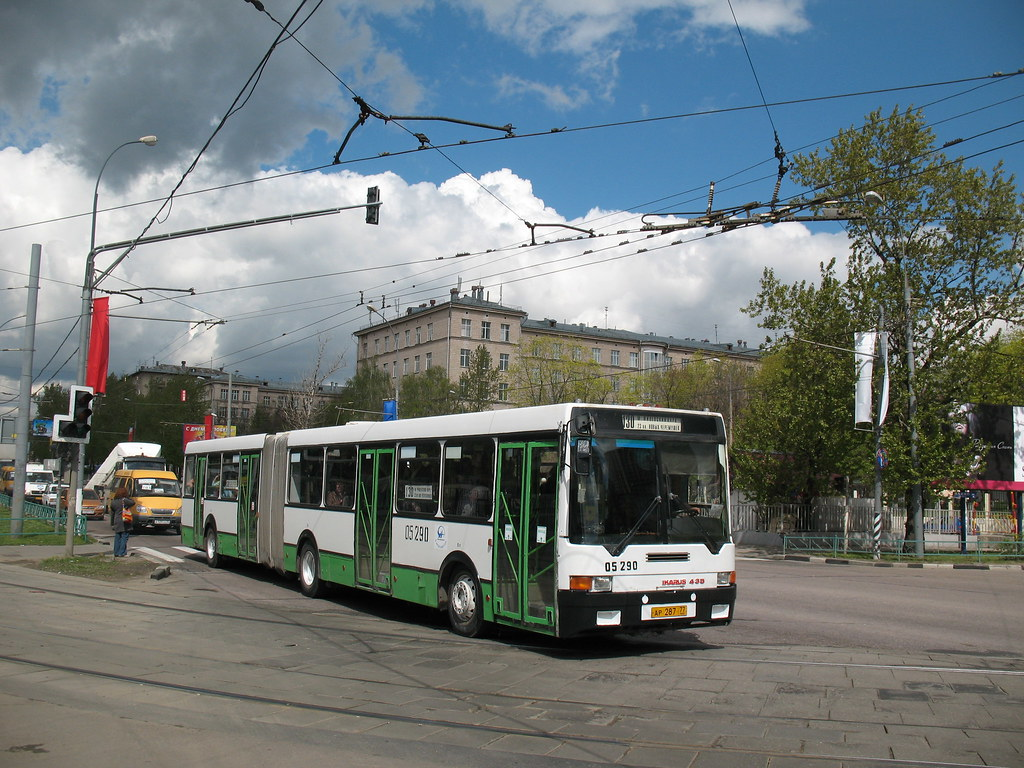 Moscow bus Ikarus-435 05290 20070510 032