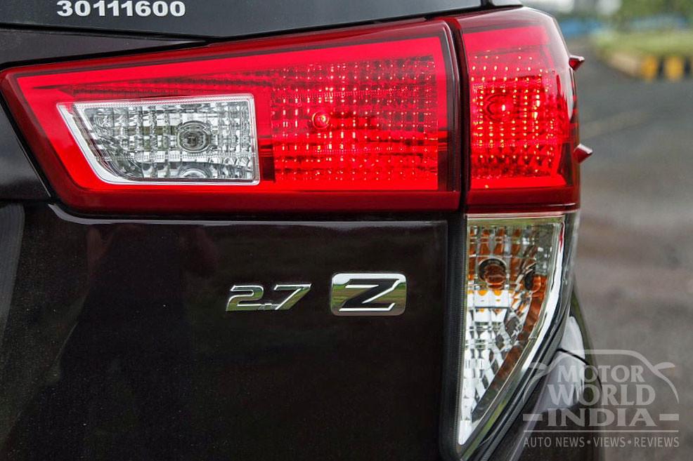 Toyota-Innova-Crysta-Petrol-Taillight (2)