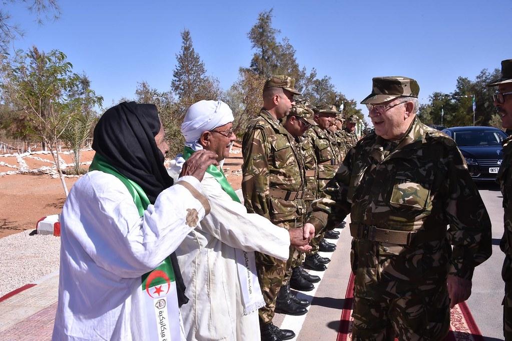 الجزائر : صلاحيات نائب وزير الدفاع الوطني - صفحة 6 30827783231_dce05af969_b