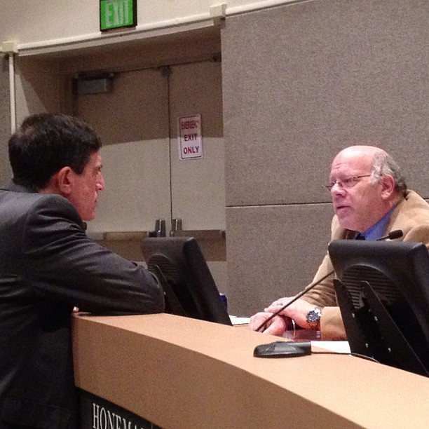Jeff Mittman of ACLU of Alaska (left) speaks with Assembly member Dick Traini during the Assembly recess.