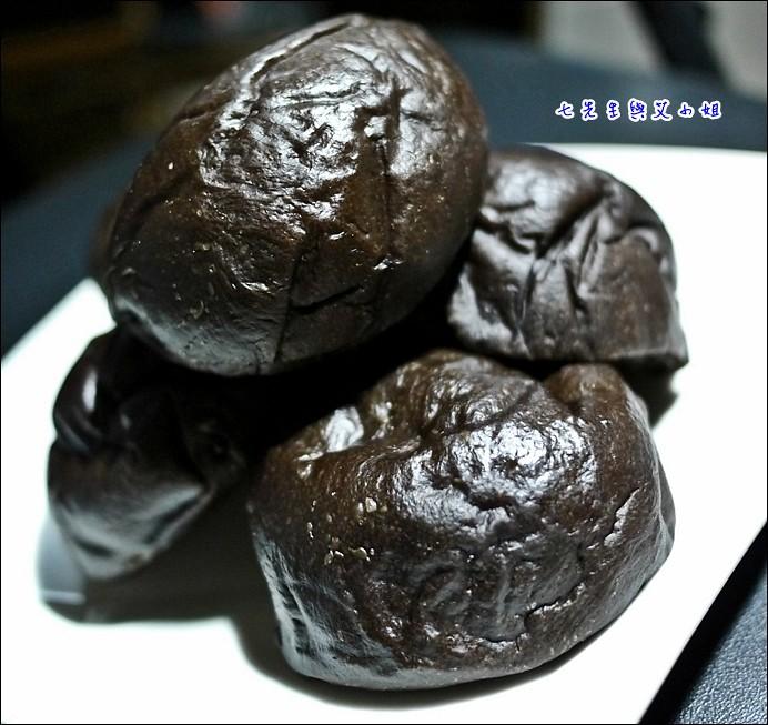 13 黑眼豆豆