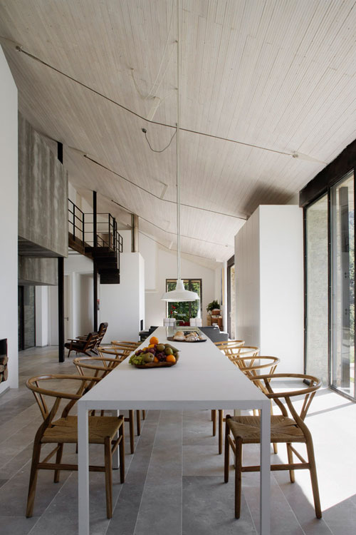 A renovated stable in spain the style files Architecture ancienne